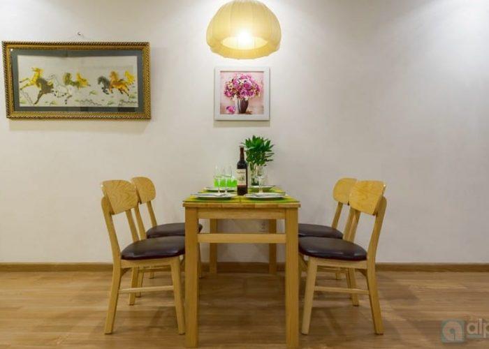 Cho thuê căn hộ 2 phòng ngủ , đầy đủ dịch vụ tại Park Hill