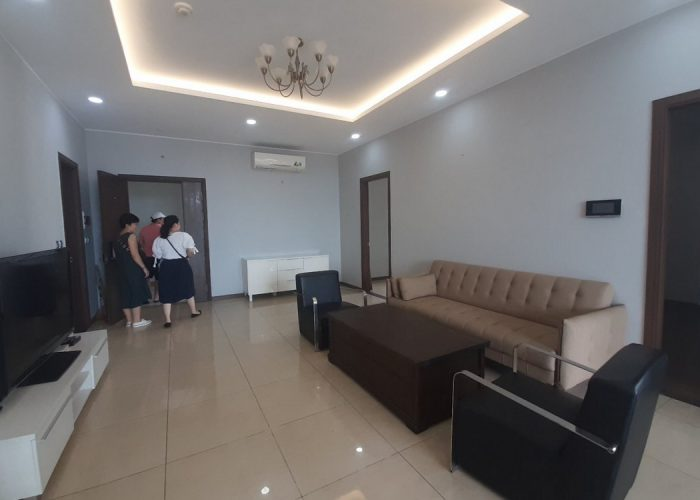 142sqm-3br apartment for rent in Trang An complex