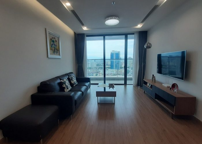 Cho thuê căn hộ 4 phòng ngủ, đủ đồ tại Vinhomes Metropolis