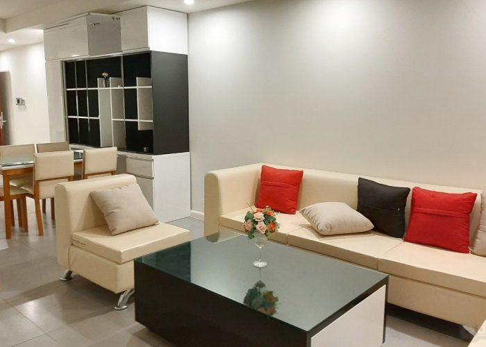 Căn hộ 2 phòng ngủ rộng rãi tại Watermark, đường Lạc Long Quân, đầy đủ nội thất.