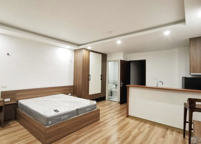 Serviced studio for rent in Van Bao street, Ba Dinh district, with balcony, high view