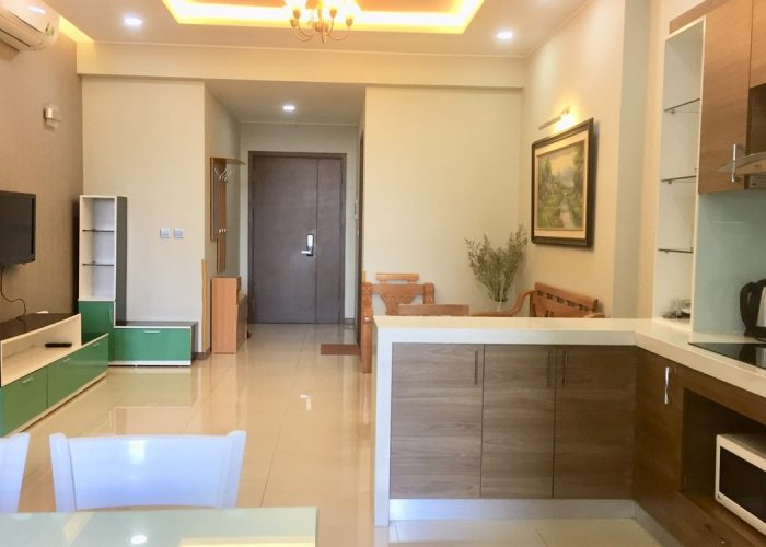 Cozy apartment for rent in Trang An Complex